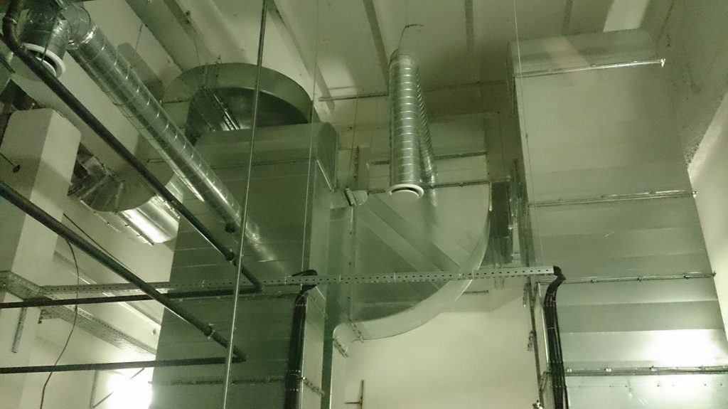 монтаж вентиляции в ТРК